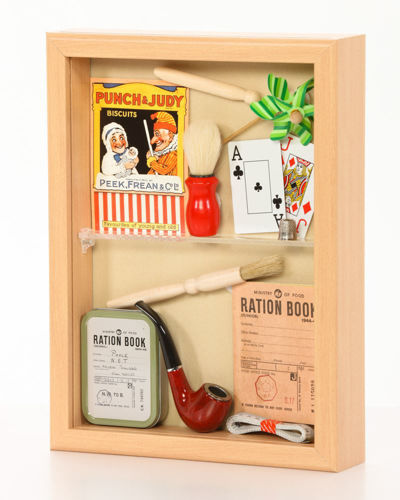 Memory Box filled reminiscence items